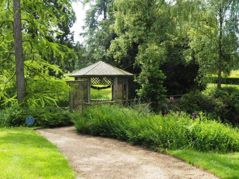 Walking through Woburn Abbey and Gardens
